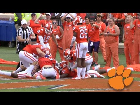 Sc state player forgets to take a knee, clemson recovers for td